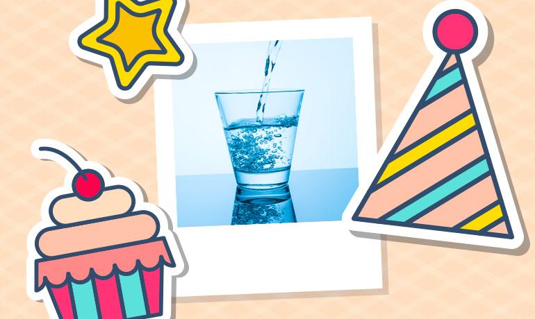 День рождения газированной воды